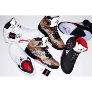 高級感を引き立てる 2015秋冬 Supreme x Air Jordan 5 ランニングシューズ 3色可選