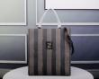普段使いやお仕事用としても使える フェンディ FENDI ハンドバッグ 2019年秋に買うべき