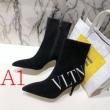 レザーブーツ 3色可選 今年の冬のトレンドデザイン  ヴァレンティノ 流行り廃りのないデザイン VALENTINO 美しいスタイルに仕上げたい