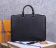 Louis Vuitton ビジネスバッグ 人気 機能性の高さで大好評 ルイヴィトン バッグ メンズ コピー 黒 おしゃれ 限定セール