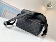 Louis Vuitton ルイ ヴィトン ショルダーバッグ コーデ 優しい軽やかさを出すモデル レディース コピー 黒 通勤通学 格安