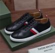 2018年トレンド  高級素材を採用 スニーカー、靴  THOM BROWNE トムブラウン