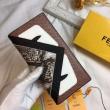 フェンディ モンスター 財布 コピーFENDI抜群な存在感モンスター二つ折り長財布カード入れオシャレアイテム