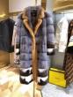コート ゴージャスな煌めきの新作 フェンディ この冬に最旬コーデ  FENDI スッキリとしたおしゃれ感が魅力